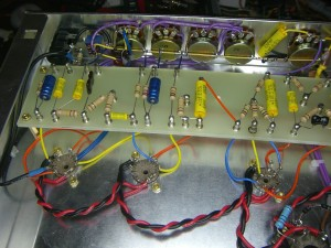 Overview of the wiring of pots and preamp/PI sockets to mainboard